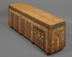 Coffin of Khnum Nakht. Head extreme with image of Isis. On the left the false door with the two udyat eyes indicating the threshold between the earthly world and the Afterlife. XIII Dynasty. Metropolitan Museum of Art of New York. Ancient Egypt.