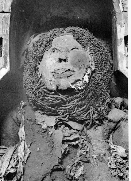 Mummy with wig of queen Henuttawy. XXI Dynasty. Cairo Museum. Ancient Egypt